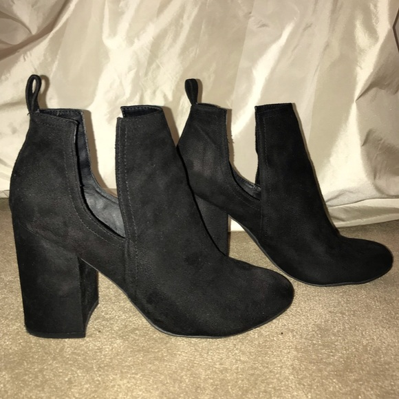 Steve Madden Norelle Suede Ankle Boot